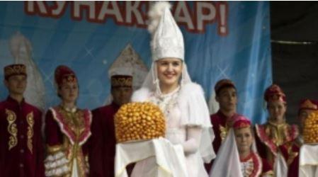 Барнаулдагы татар мәдәнияте үзәге өй туен бәйрәм итте