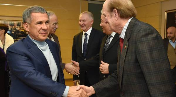 Президент Татарстана встретился с татарской диаспорой Турции