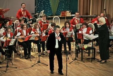 Солисту Пражской оперы подыграл кушвинский оркестр