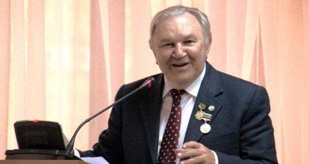 Доктор исторических наук, профессор, иностранный член АН РТ — Надир Девлет