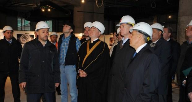 Рөстәм Миңнеханов Мәскәү Җәмигъ мәчетенең яңа комплексын карады