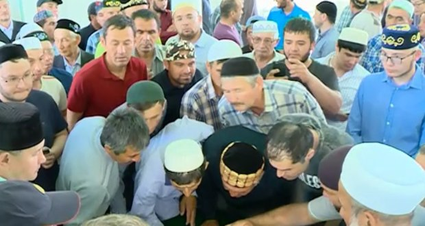 On the Feast of the Breaking Fast, the Muslims of Tyumen were shown the hair of the Prophet Muhammad