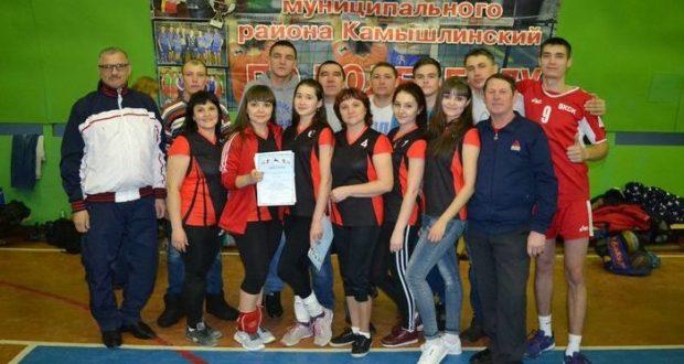 Волейболисты Камышлинского района поборолись за кубок главы