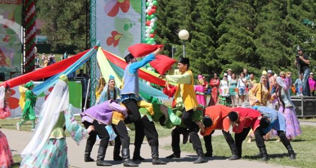 Кузбасские татары приняли участие в межрегиональном празднике «Сабантуй» в Горном Алтае