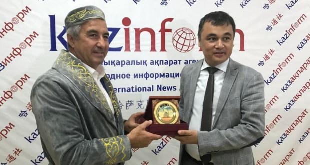 Василь Шайхразиев провел встречу с руководством «Казинформ»а