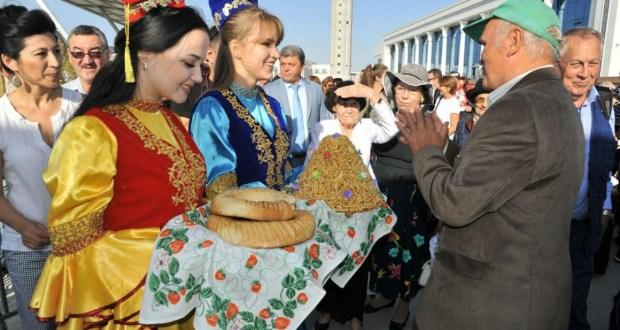 Встреча делегации ТГАТ им.Г.Камала в аэропорту г.Ташкента