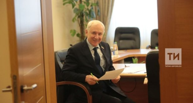 Ринат Закиров: Хәзер татар кешесе туган телен рәхәтлектән югалта