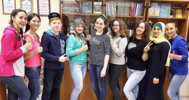 Ижау яшьләре татар телен формаль булмаган мохиттә өйрәнә