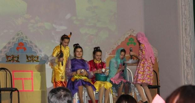 В Волгограде поставили спектакль «Өч кыз» и порадовали праздничным концертом