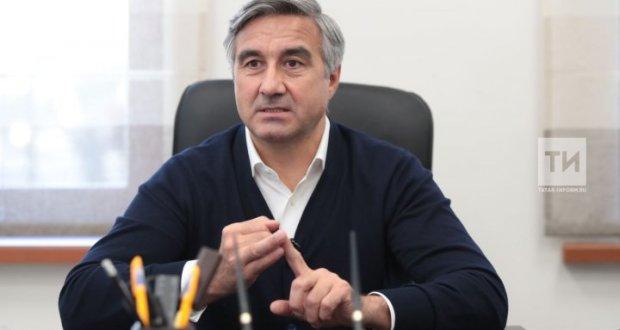 «Не для отчета, а для себя!»: Василь Шайхразиев призывает татар активно участвовать в подготовке Стратегии развития татарского народа