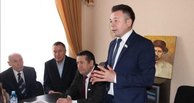 В Уфе в рамках Дней Республики Татарстан прошел круглый стол писателей двух республик
