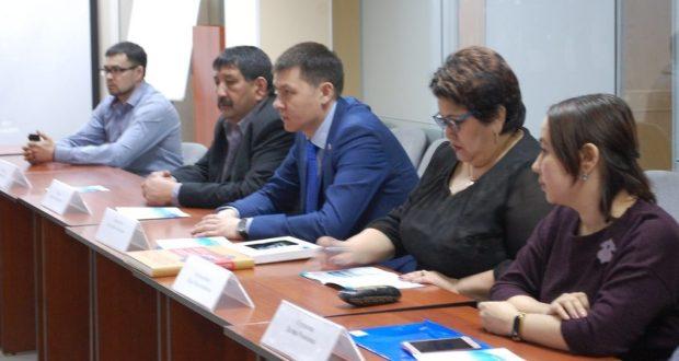 Министр экономики Омской области встретился с участниками восьмого Всероссийского схода предпринимателей татарских сёл