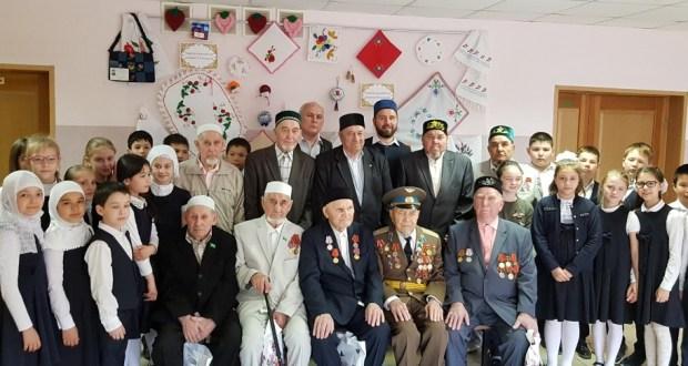 Ветераны встретились с учениками школы «Яктылык»