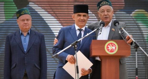 Медаль Мухаметшину, «татарский жеребец» Фаттахову, и новый межрегиональный договор