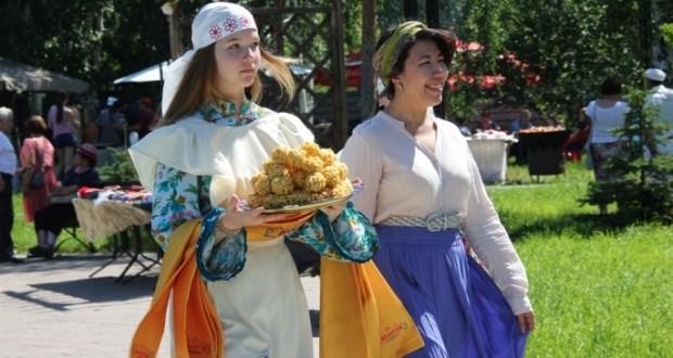 Сабантуй в Омске посетили более пяти тысяч человек