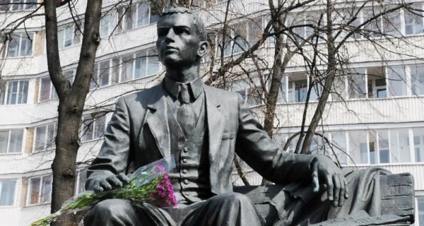 Дни культуры Татарстана начнутся с церемонии возложения цветов к памятнику Габдулле Тукаю