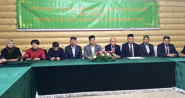 Чувашия татарлары: Милли тәрбияне саклап калу өчен, гаиләдә өч буын — әби-бабай, әти-әни һәм балалар яшәргә тиеш
