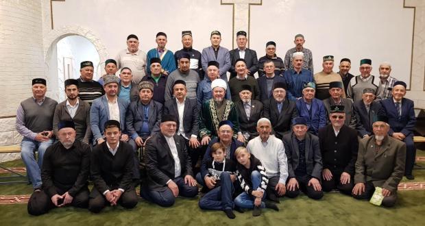 Татарские религиозные и общественные деятели во главе с муфтием РТ совершают поездку в Башкортостан