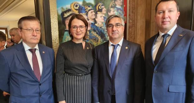 Продолжение пленарного заседания III съезда Альянса татар Европы