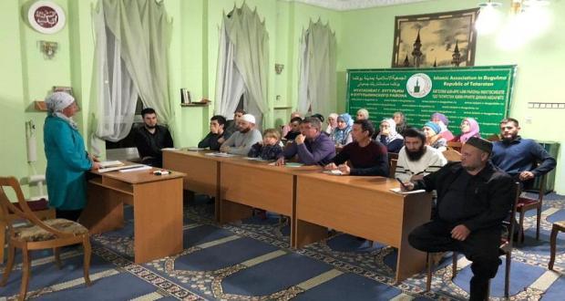Количество записавшихся на курсы татарского языка в мечетях республики превысило 300 человек