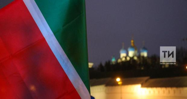Татарстан Президенты ТАССРның 100 еллыгы уңаеннан чыгарылган медальне раслады