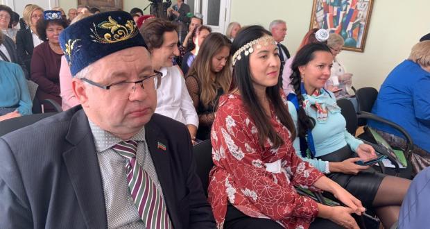 Пленарное заседание III съезда Альянса татар Европы подходит к концу