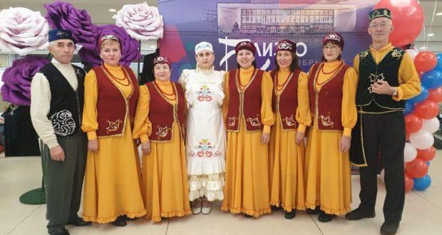 Татарский фольклорный ансамбль «Акчарлак» принял участие в праздновании Дня народного единства