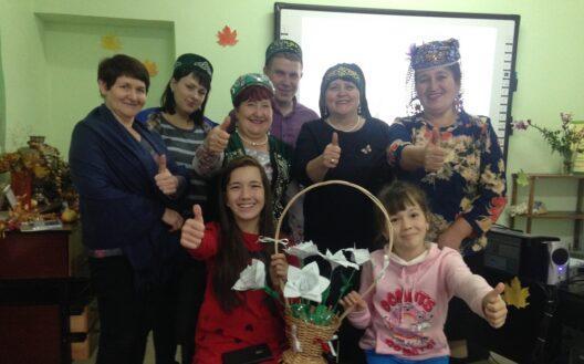 Активистки «Ак калфак» присоединились к акции «Белый цветок»