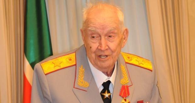 Ушел из жизни генерал армии Махмут Гареев