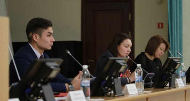 ФОТОРЕПОРТАЖ: Форум катнашучыларын Татарстанның социаль-икътисади потенциалы белән таныштырдылар