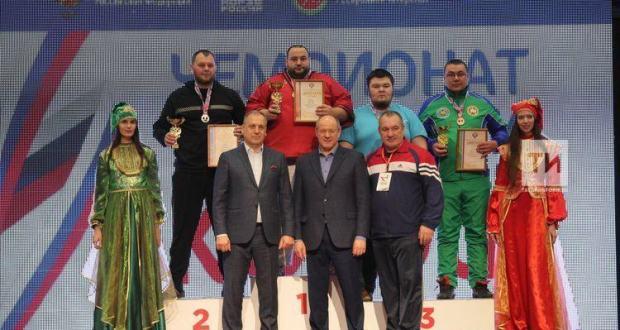 Көрәш буенча Россия чемпионатында 7 татар көрәшчесе чемпион калды