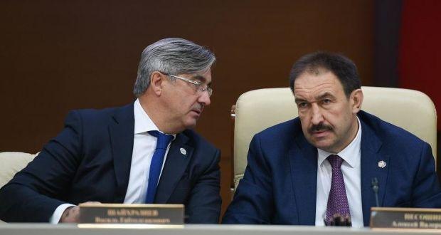 «Надо, чтобы и чиновники общались на татарском языке»