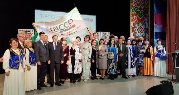 В Центре национальных культур Нижневартовска прошла церемония передачи эстафеты флага 100-летия ТАССР