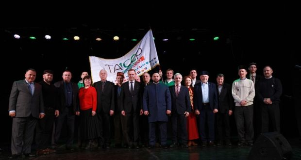 ФОТОРЕПОТРАЖ: ТАССРның 100 еллыгы флагы эстафетасы тантаналы төстә Кострома өлкәсендә узды