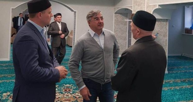 Василь Шайхразиев ознакомился с ходом строительства мечети в Новочебоксарске