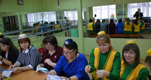 In Yoshkar-Ola discussed the use of the Tatar language in everyday life, family and school