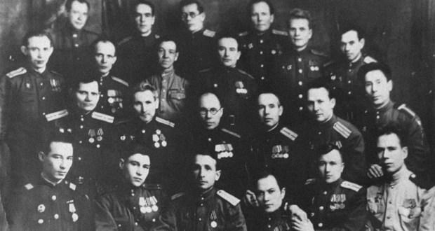 Бөек Ватан сугышында татар язучылары