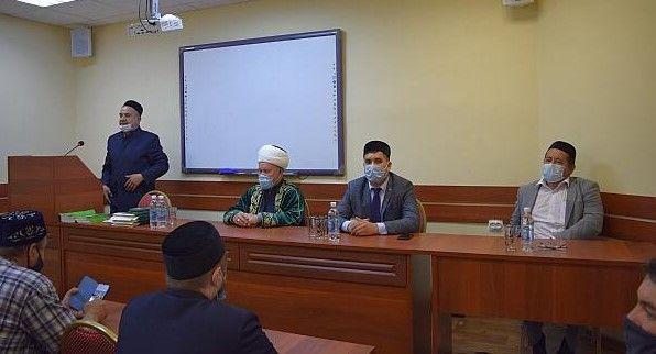 В медресе имени 1000-летия принятия Ислама состоялось торжественное вручение дипломов выпускникам вечернего отделения
