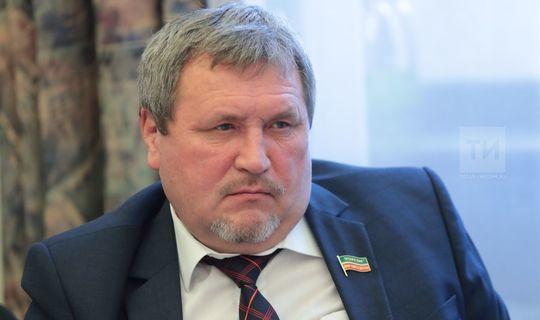 Ркаил Зәйдулла: Президентыбызның мәкаләсен татар халкының стратегиясе дип атарга була