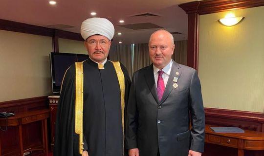 Равил Әхмәтшин Россия мөселманнарының «Әл Фәхр» ордены белән бүләкләнде