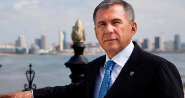 Рустам Минниханов поздравил татарстанцев с Днём Республики