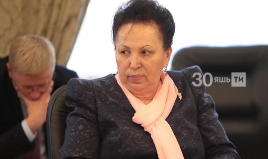 Камәрия Хәмидуллина Казанның 2нче татар гимназиясе директоры вазифасыннан китә