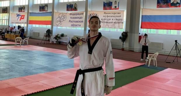 Эмиль Алиев – победитель Первенства России среди юниоров по тхэквондо