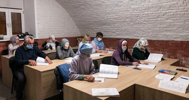 В БФ «Закят» ДУМ РТ стартовали уроки татарского языка для подопечных