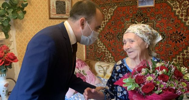 The Rep-office  of Tatarstan congratulated a resident of Balashikha on her 100th birthday