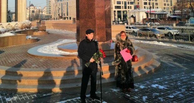 В Казани торжественно возложили цветы к памятнику татарского композитора Салиха Сайдашева