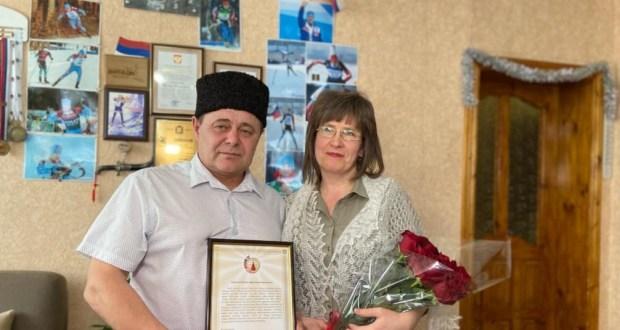 Танылган биатлончы Эдуард Латыйповның әти-әнисенә  Бөтендөнья татар конгрессының Рәхмәт хаты тапшырылды