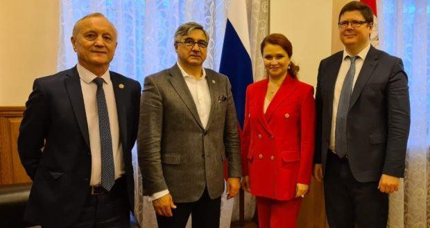 Василь Шайхразиев встретился с вице-губернатором Челябинской области Анатолием Векшиным
