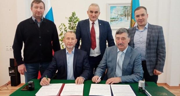 Татар эшмәкәрләре хезмәттәшлек итә