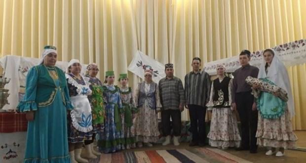 В Большетарханской библиотеке представили татарский обряд «Исем – кунел козгесе»